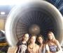 des-filles-et-des-avions